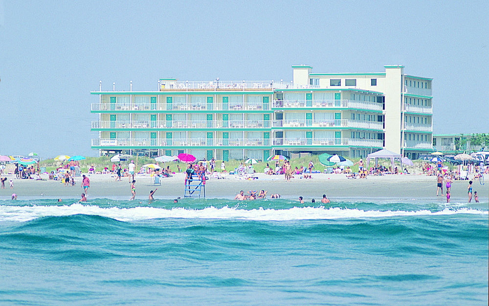 Though The Boardwalk Adds Fun And Excitement To Wildwood It Occupies A Significant Portion Of Town S Beachfront Preserves Beach