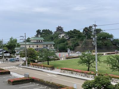 日本一短い手紙の館・展望室から見た丸岡城