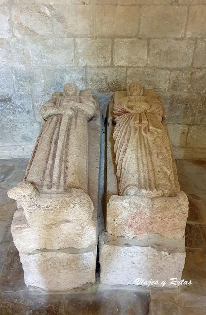 Sepulcros del Monasterio de Gradefes, León