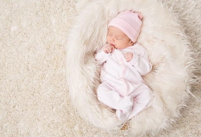 Minyak Telon untuk Bayi Baru Lahir