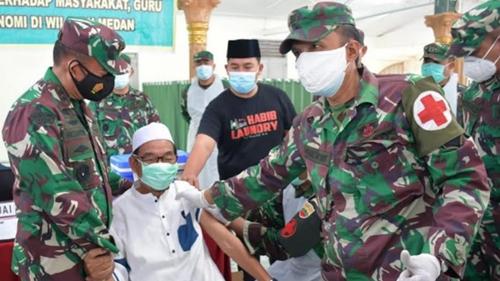 Cegah Laju Covid-19, Pangdam Tinjau Serbuan Vaksinasi Dosis Ke II di Ponpes Al- Kautsar Al-Badar Medan