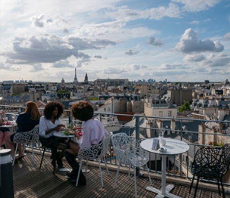 Le rooftop parisien typique
