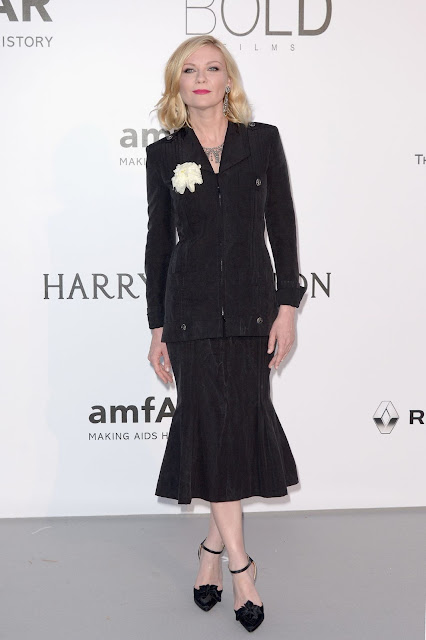 Actress, Singer, Model, @ Kirsten Dunst - amfAR's Cinema Against AIDS Gala in Cap d'Antibes, France