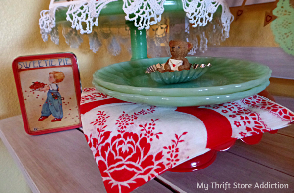 How to Create Seasonal Vignettes with Vintage Collections mythriftstoreaddiction.blogspot.com Vintage hankie and valentine tins