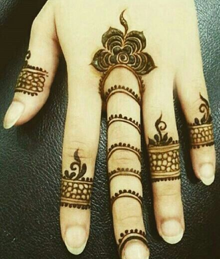 Lovely Ring Mehndi Designs For Fingers