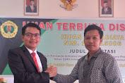 Ketua IKADIN Mataram, Raih Predikat Doktor dengan IPK 3,91