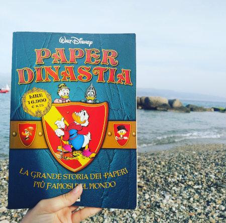 """Recensione del fumetto Disney """"La $aga"""" di Don Rosa, in edizione dal titolo """"Paperdinastia"""", la storia del Papero più ricco del mondo."""