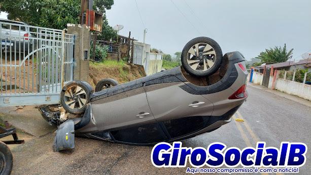 Professor Buiquense se envolve em acidente e  acaba capotando o veiculo  na madrugada deste domingo, 01 de Agosto.