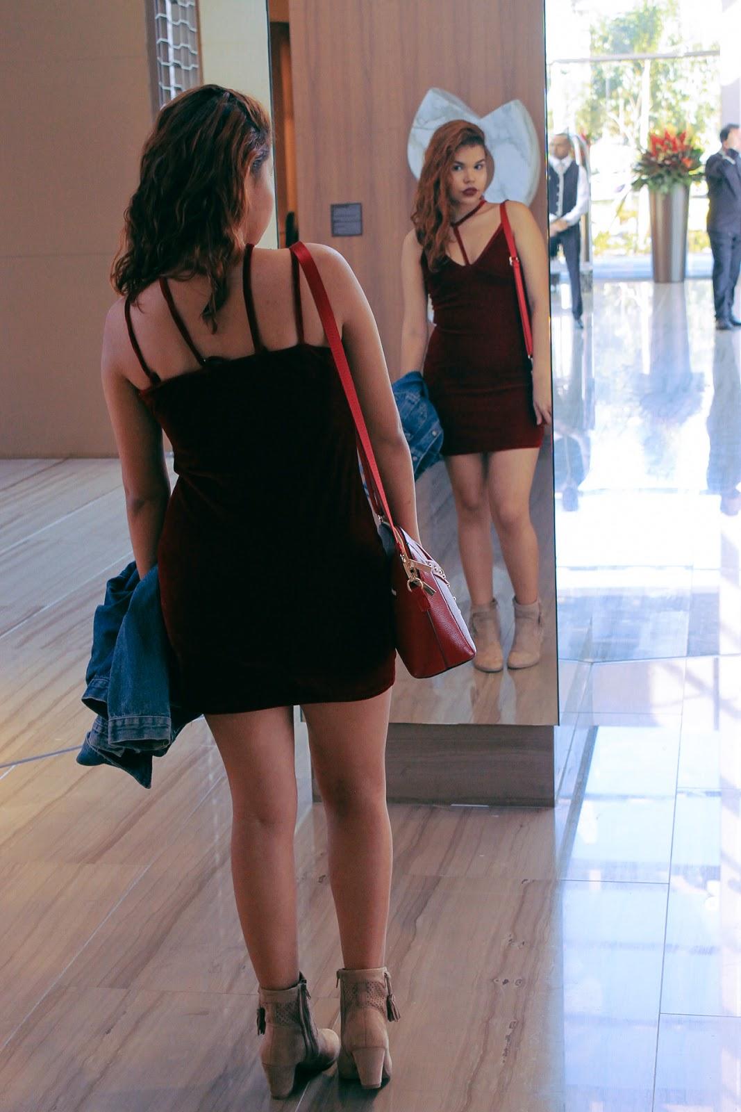 vestido de veludo, look dia dos namorados, look vestido vermelho, vestido vinho, vestido de veludo vinho, look vestido com jaqueta jeans, look bota nude, sammydress, zaful, look da china