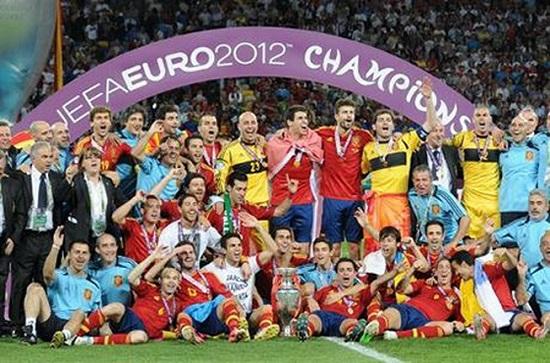Tây Ban Nha đoạt cúp vàng Euro 2012