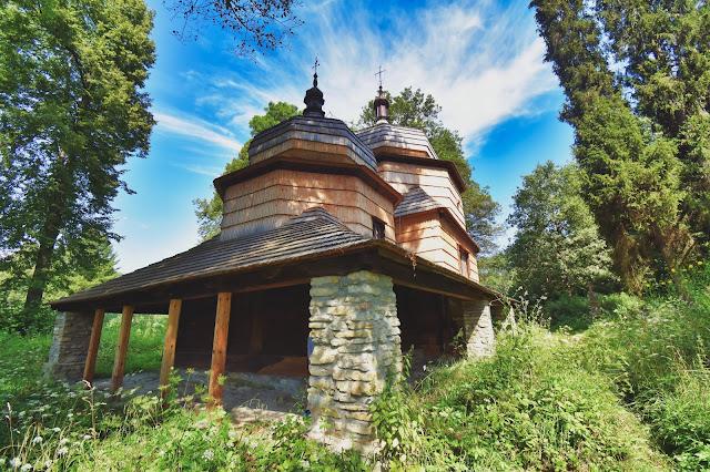 Cerkiew św. Dymitra w Piątkowej - Szlak Architektury Drewnianej