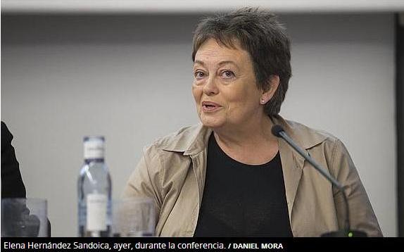 Elena Hernández Sandoica durante la conferencia