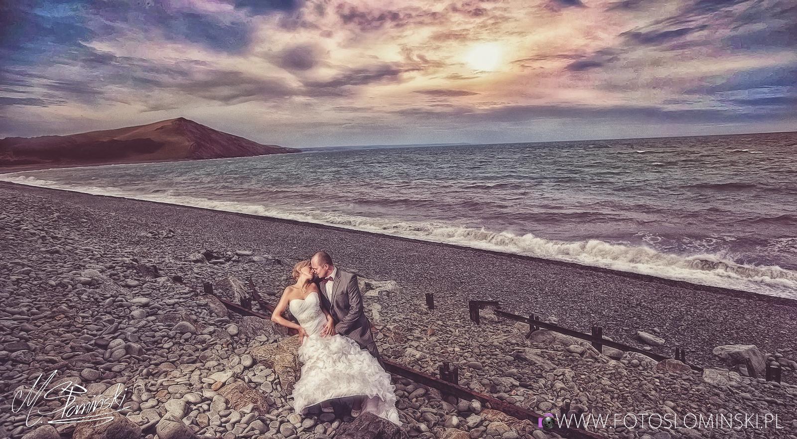 Jakie są ciekawe miejsca na sesję ślubną ? Walijsckie plaże i klify - fotoslominski.pl