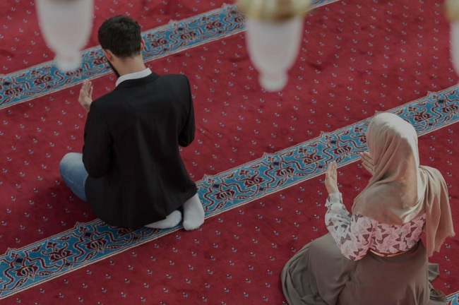 Buat Para Ibu-ibu yang Anti Poligami, Silahkan Baca Alasan Poligami Dibolehkan dalam Islam