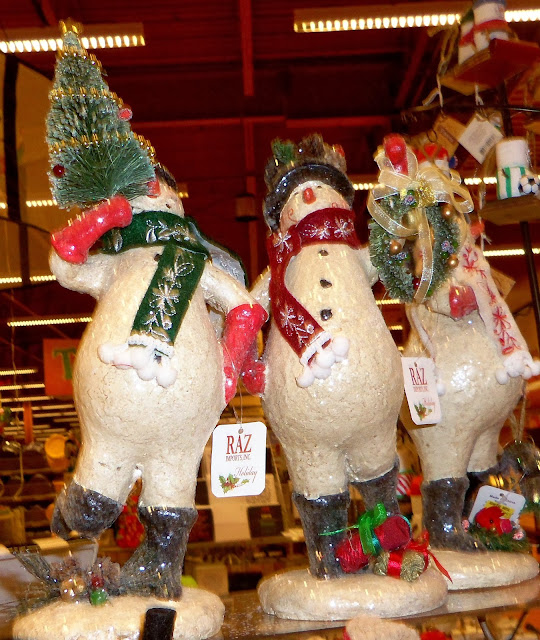 Kohls Christmas Dishes.A Debbie Dabble Christmas Christmas In The Stores Wegman S