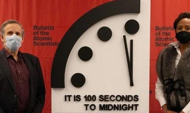 'Relógio do Apocalipse' está parado perto do fim desde 2020, dizem cientistas