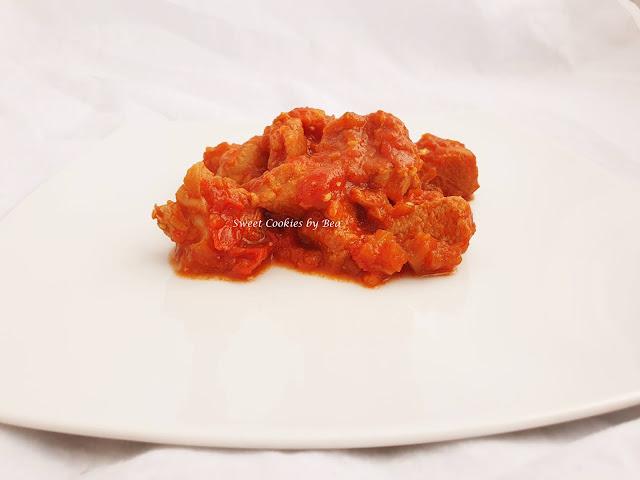 pavo con tomate