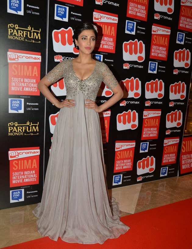 Tollywood Actress Shruti Haasan Stills At Siima Awards