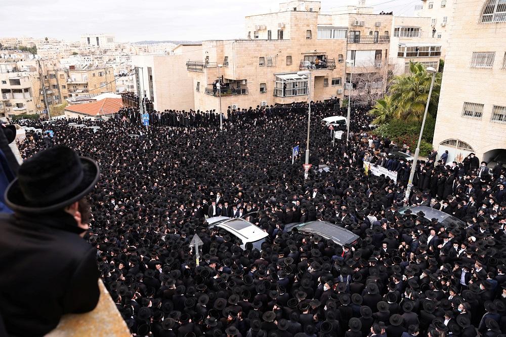 VIDEO: Masivo funeral en Israel en medio de las restricciones por el coronavirus