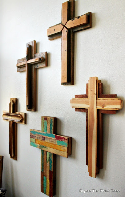 cross, reclaimed wood, barnwood, salvaged, Easter decor, rustic cross, woodworking, http://bec4-beyondthepicketfence.blogspot.com/2016/02/reclaimed-wood-crosses.html