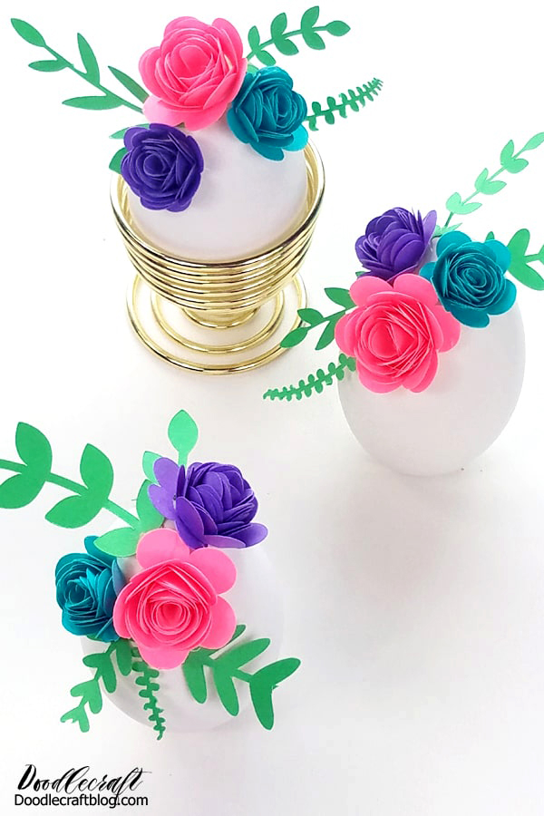 Make rolled paper flowers using the Cricut Joy to decorate Easter eggs for place settings or home decor.