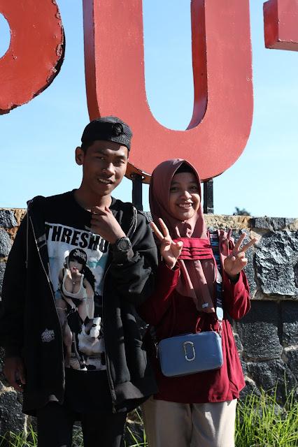 Jadi Baru Kebumen 2018 Tour To Bandung, Best Momen- eka kris foto di depan tulisan kawah putih 1