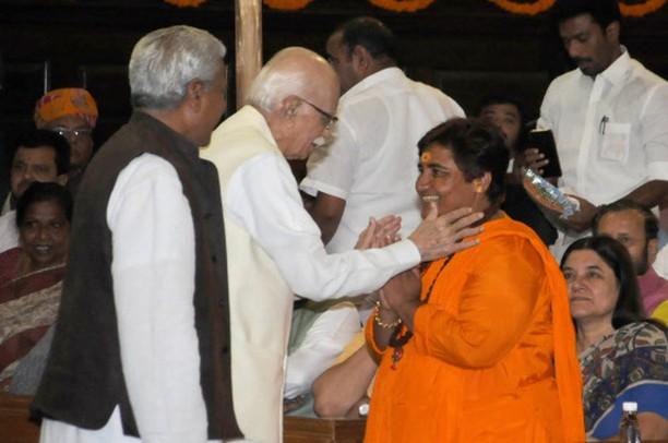 आडवाणी, एमएम जोशी, उमा भारती 32 अभियुक्तों में से एक के रूप में अदालत ने कहा कि बाबरी विध्वंस पूर्व नियोजित नहीं था