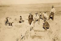 Excavación en busca de fósiles de dinosaurios en el oeste de EEUU