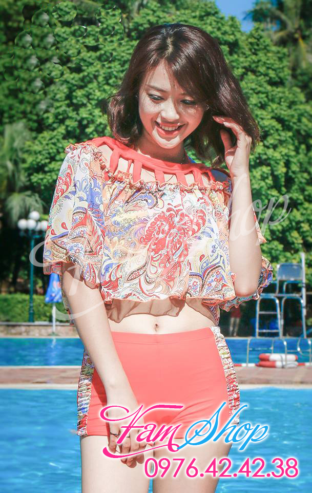 Bikini tai Hoang Mai