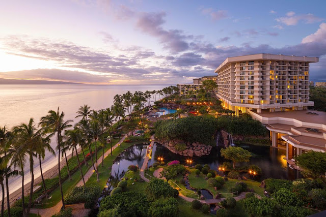 Set upon 40 oceanfront acres on Maui's Ka'anapali Beach, Hyatt Regency Maui Resort and Spa offers a true getaway in paradise. Experience Hawaiian hospitality with on-site resort activities including a traditional lu'au and stargazing. Stay loose on the links with access to oceanfront golf or retreat to the beachfront spa.