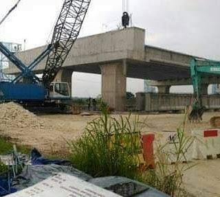 Jembatan boboh Gresik di Tutup