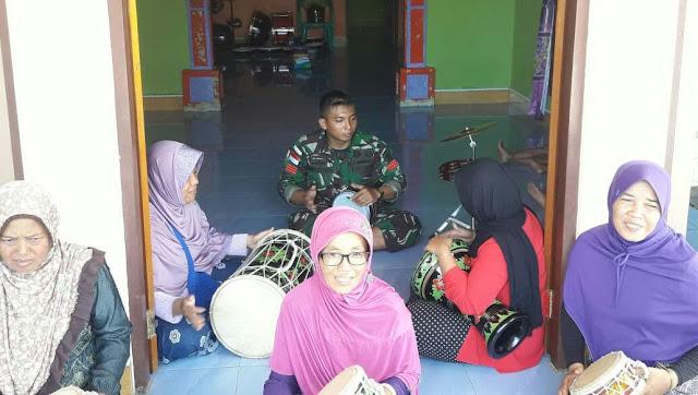 Lestarikan Marawis di Kampung Yammua, Ini yang Dilakukan Satgas Pamtas Yonif PR 328 Kostrad