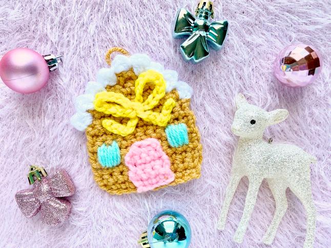 Gingerbread House Ornament Crochet Pattern