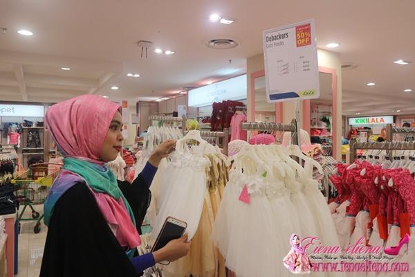 ruangan LuLu Fashion Store di Lulu Hypermarket