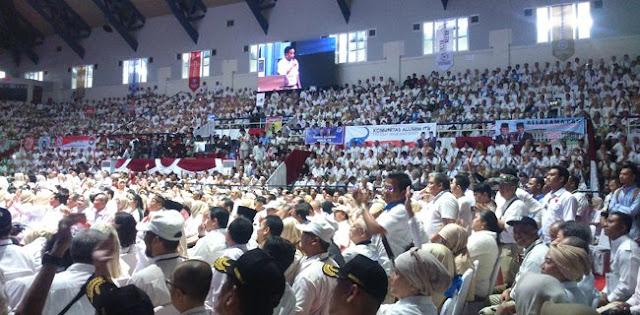 """Prabowo Disambut Lagu Maju Tak Gentar Dan Pekikan """"Prabowo Presiden"""""""