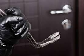 U Gusinju se pojavili lopovi na patike: Već danima ljudima nestaje obuća, čeka se reakcija policije