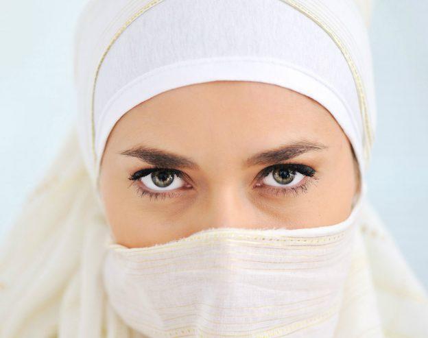 تحميل اجمل خلفيات بنات محجبات للكومبيوتر صور خلفيات بنات عرب جملة جدا لسطح المكتب مجانا.