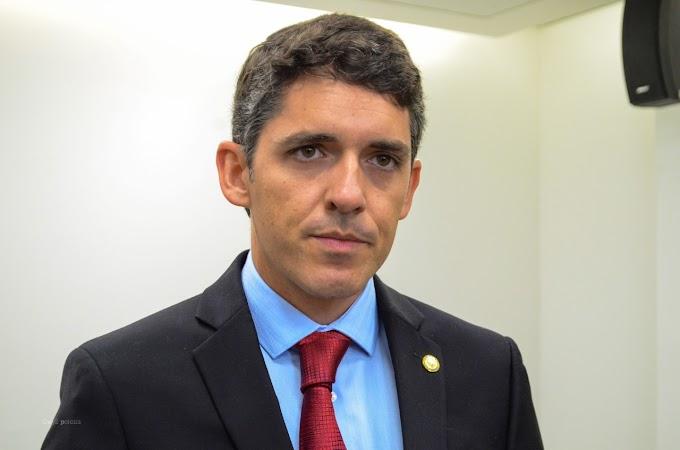 Tovar faz apelo pela derrubada de veto a projeto que garante afastamento de servidor para acompanhar tratamento de filho com doença rara