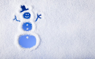 snowman-drawn-in-snow-funny-image.jpg