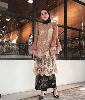 Model kebaya brokat modern hijab warna cokelat