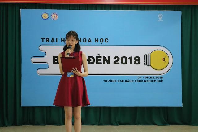 trại hè khoa học bóng đèn 2018