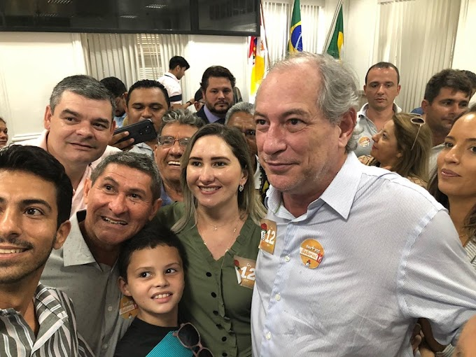 Vereadores Raul Neto e Zilma Araújo, ambos do PDT de Senador Sá, participam da convenção do partido em Sobral.