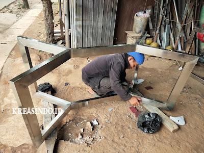 Kaki Meja Stainless pesanan Comvi Interior Design di BSD Tangerang