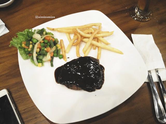 Papali steak house Padang beef steak