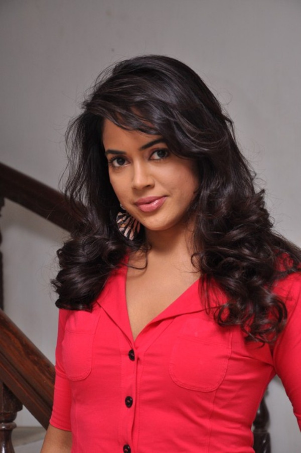 Gorgeous sameera raddy in red top