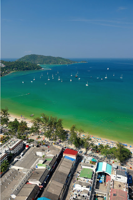 Пляж Патонг Фалал с воздуха, Пхукет. Таиланд .
