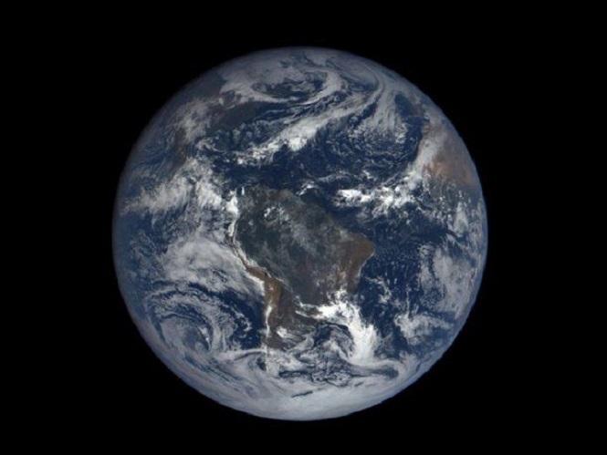 Un informe muestra que la parte más interna del planeta Tierra podría estar torcida