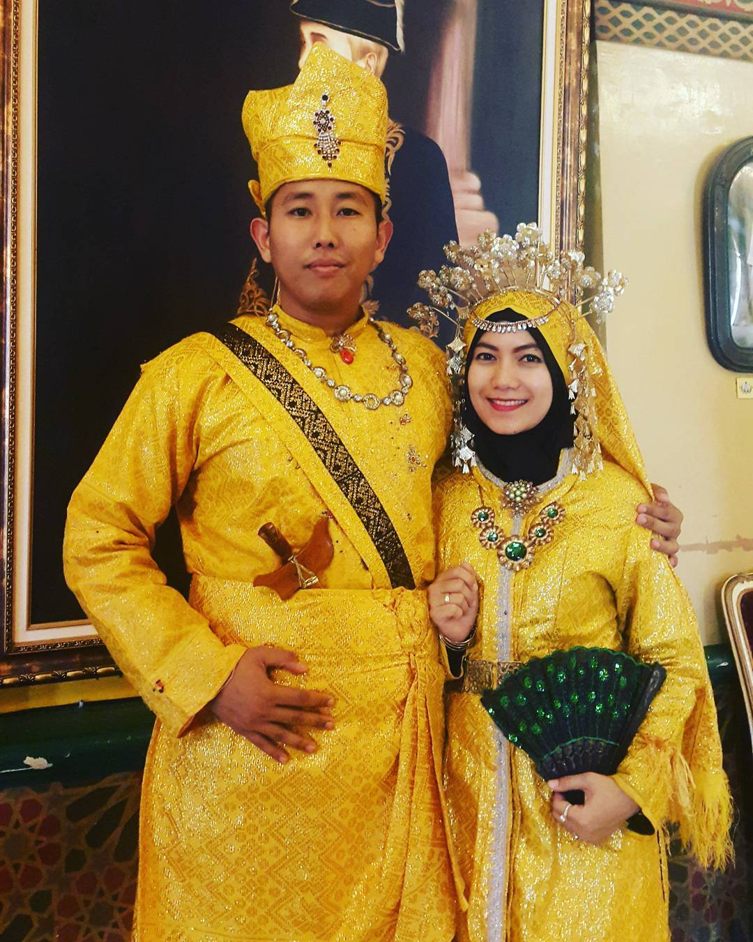 9 Gaya Baju Pengantin Adat Melayu Deli Kekinian - modelbaju.id