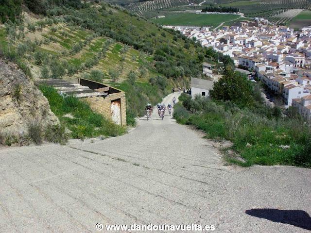 El Tajo Melchor, repecho de los 101 km en Alcalá del Valle
