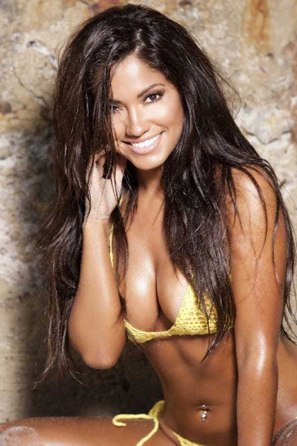 Jessica Burciaga Hot Pics and Bio